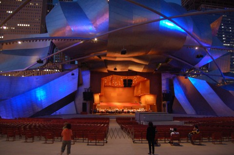 Jay-Pritzker-Pavilion-Chicago-Photo